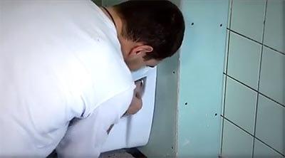 toilet bevestigen