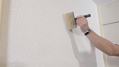 Maak de muur goed schoon