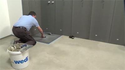 Douchevloerelement plaatsen in de vloer
